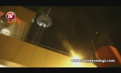ویدئویی از تمرین و کنسرت مجری مشهور تلویزیون در برج میلاد/امیرحسین مدرس: من از شهاب حسینی شیطون ترم!