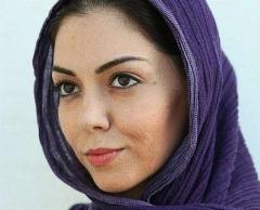 آزاده نامداری دوباره یک عکس جنجالی منتشر کرد و دوباره اینستاگرامش را بست: این من نیستم، کتیه!