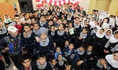 ویدئویی از دیدار نیوشا ضیغمی و کودکان کار در یک مدرسه: چرا به این بچه ها به چشم یک موجود زائد نگاه می کنید؟ - اختصاصی