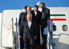 چه کسانی در فرودگاه به استقبال ظریف و تیم مذاکرهکننده آمدند/گزارش تصویری