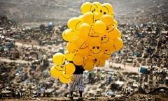 ویدئویی از قدیمی ترین بادکنک فروشی ایران: این سه برادر دل بچه های ایرانی را شاد می کنند