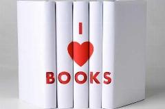 شعری ویژه آنها که کتاب را بوسیده اند و گذاشته اند کنار: کتاب نخونی کله ت رو خاک می گیره!/آقای شیپورچی