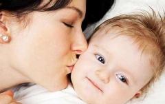 چند نکته غذایی ویژه مادرانی که به فرزندانشان شیر می دهند/به رشد بهتر و سالم تر فرزندتان کمک کنید