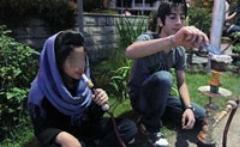 آمار تکان دهنده قلیان کشی تهرانی ها: روزانه 200 تن چوب برای ذغال قلیان تهرانی ها نابود می شود
