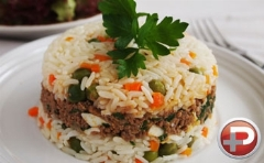 این بار محبوب ترین غذای مکزیکی ها را مهمان سفره ایرانی تان کنید/آموزش پخت برنج مکزیکی برای آنها که به دنبال تجربه طعمی متفاوت هستند