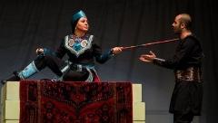 قاتل نادرشاه بعد از سه قرن در تهران آفتابی شد/همسر جواد عزتی نقشه قتل ناپلئون ایرانی را می کشد - گزارش خاک صحنه از یک نمایش کمدی