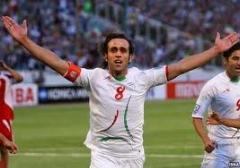 علی کریمی پاسخ فرهاد مجیدی و هوادارانش را داد