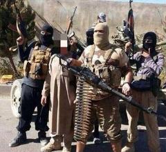 وقتی که داعش با بولدوزر گردن میزند! /عکس