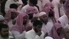 """فیلم: فراخوان خطیب آلسعود برای """"قطع گردن"""" شیعیان!"""