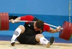 افتادن وزنه و آسیب شدید ورزشکار بیچاره