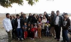 گزارش تصویری: بازیگر زن سینما در مناطق محروم تهران و رباط کریم