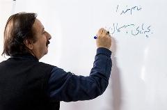 تدریس مجید مجیدی در دبیرستان /عکس