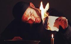 اعتراض بابک حمیدیان به تحریف فیلم روز رستاخیز: این هاله نور را از کجا باید بیاوریم؟!/پرویز پرستویی از معدود 80 میلیون آدمیست که ماسک نمی زند/سیمرغ جشنواره نوبتی است!