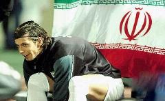 بازیکنی که بخاطرش سر و دست می شکستند، در آستانه ترک ایران!