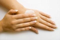 مبتلایان به خشک شدن پوست دست و صورت حتما این ویدئو را ببینند: زبری و خشکی دست ها را بین ببرید!
