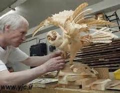 ببینید از چوب چی میسازه/چه هنری داره این اقا