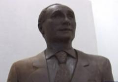 ساخت مجسمه شکلاتی پوتین توسط هنرمند روسی/چه هنری