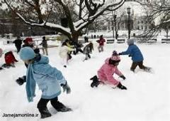کلیپی از روز برفی بچه ها/شادابی و تفریح دیدنی بچه ها