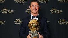 این پیرمرد تنها آدم دنیاست که نام برنده توپ طلای دنیا را می داند/از نحوه انتخاب مرد سال فوتبال دنیا تا زیرزمینی فرانسوی که نام برنده آنجا روی توپ حک می شود