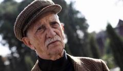 بغض و حسرت داریوش اسدزاده در پیاده روهای لاله زار: متاسفم که همه تاریخ اینجا را نابود کردند!