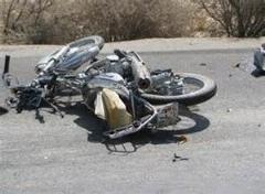 حادثه عجیب و خنده دار برای این دو دختر موتور سوار جوان