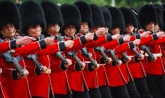 خنده دارترین سوتی های گارد سلطنتی انگلیس!