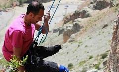 این پسر ایرانی شگفت زده تان می کند؛ فتح طاقت فرساترین صخره ها تنها با یک پا/یک معلول که با قدرت اراده اش متحیرتان می کند - اختصاصی تی وی پلاس