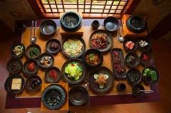 گزارشی اختصاصی از رستوران ها و قنادی های لوکس کره جنوبی؛ از حلزون هایی که برای ثروتمندان کباب می شوند تا جوجه کباب های پرطرفدار سفره چشم بادامی ها- سفرنامه تی وی پلاس