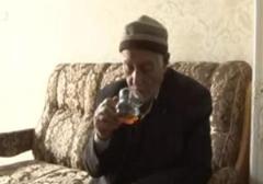 پیرمرد 80 ساله اما با دست هایی جوان