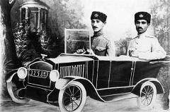 از واکنش عجیب ایرانی ها وقتی اولین بار اتومبیل دیدند تا اولین قربانی تصادف در ایران که یک استاد مشهور موسیقی بود/بررسی تاریخچه ورود خودرو به ایران در تی وی پلاس