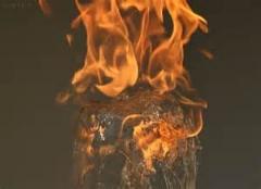 فواره دیدنی آب به همراه آتش