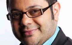 مجری مشهور تلویزیون، جایزه محبوب ترین برند سال 94 ایران را دریافت کرد/تی وی پلاس به عنوان پربیننده ترین شبکه رسمی فضای مجازی جمهوری اسلامی ایران برگزیده شد