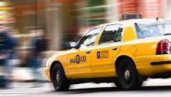 باورتان می شود این بازیگر سریال شب های برره مهران مدیری با تاکسی مسافرکشی می کند؟/رادیو پلاس با این بازیگر گفتگو کرده است