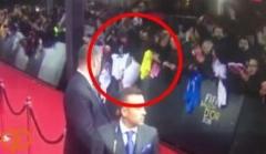 افتادن یکی از هواداران روی فرش قرمز با دیدن رونالدو