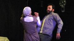 جنجال در افتتاحیه یک نمایش/ یک کارگردان: بهتر است برویم پیتزا فروشی باز کنیم-خاک صحنه