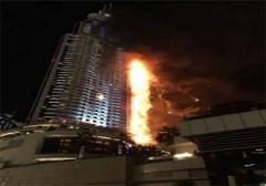هتل 63 طبقه ای دبی در آتش سوخت