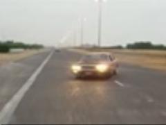 حرکات خطرناک یک راننده در یکی از جاده های کشور
