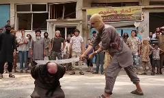 جدید ترین فیلم از لحظه دستگیری و به هلاکت رسیدن قذافی؛ کشف محموله عجیب داعش در ایران؛ داعش سر اعدامی ها را به حراج می گذارد!