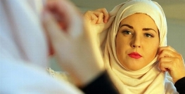 جنجالی که دختر زیبای نروژی با اعلام مسلمان شدنش به پا کرد