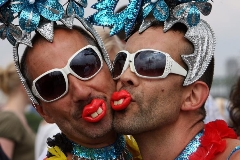 جنجال سازی سی ان ان با فیلم جشن همجنس بازها در قلب رياض