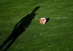چه کسی می گوید فوتبالیست ها حقوق میلیاردی می گیرند؟!