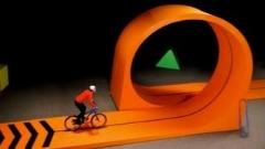 حرکات نمایشی بسیار زیبا با دوچرخه/دیدنی