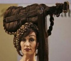 در این ویدئو با عجیبت ترین و زشت ترین مدل موهای دنیا رو به رو می شوید!
