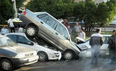 فیلمی از لحظه باورنکردنی نابودشدن یک خودرو