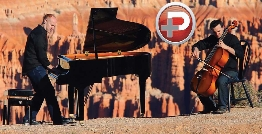 نواختن پیانو در ارتفاعات گرند کنیون ایالات متحده