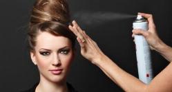 وقتی یک خانم از اسپری ساختمانی به جای اسپری مو استفاده می کند! + فیلم