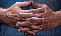 درد دل های تکان دهنده چند کارگر نظافتچی: بخاطر دو هزار تومان بچه ام را کتک زدم/یا همه مان را اعدام  کنید یا اخراج!/بخدا بچه های ما هم آدم محسوب می شن