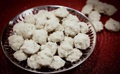 شیرینی محبوب هر ایرانی را به سادگی در خانه برای عید درست کنید؛ آموزش پخت شیرینی گردویی در شیرینی پزی تی وی پلاس