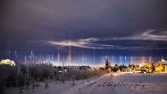 ستون های نور  زیبا و عجیب بر فراز آلاسکا