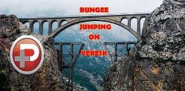 دیوانه بازی و ریسک و هیجان چند جوان پر دل و جرات روی معروف ترین پل ایران تا بند بازی روی یکی از صخره های حوالی شمال شهر تهران